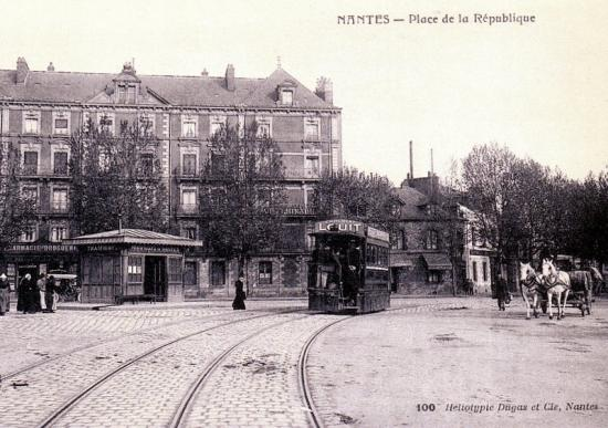 PLACE DE LA REPUBLIQUE à NANTES