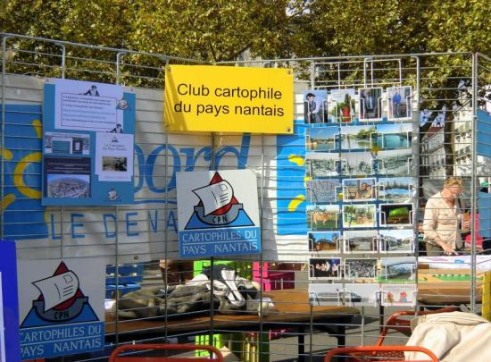 STAND DES CARTOPHILES